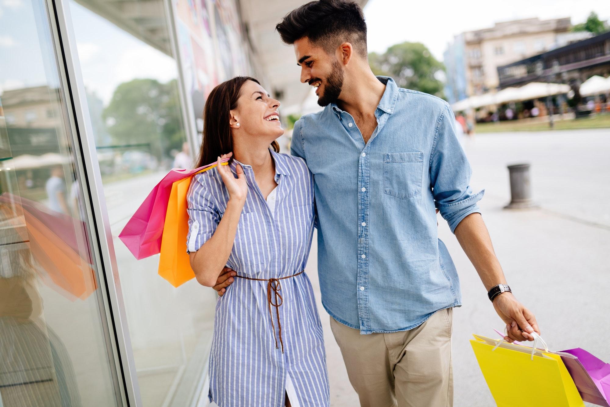 מתנה לבן זוג – שלוש הצעות מקוריות במחיר מצחיק
